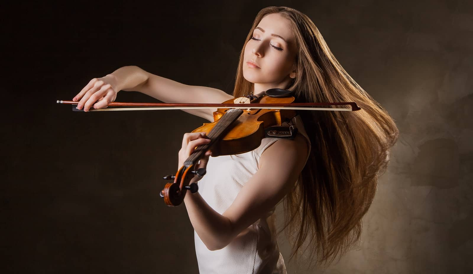 Playing the violin with scoliosis